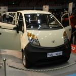 インドの自動車ナノ in 広島輸入車ショウ